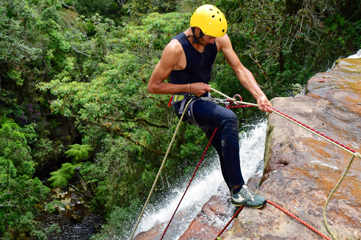 CANYONEERING – COLOMBIA