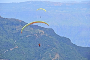 Paragliding, Chicamocha Canyon, custom trips in Colombia, Adventure Travel, Custom Trips, hosken photography