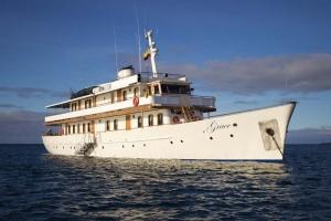 Yacht Galapagos
