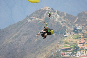 Paragliding, adventure travel, custom trips to Colombia, South America